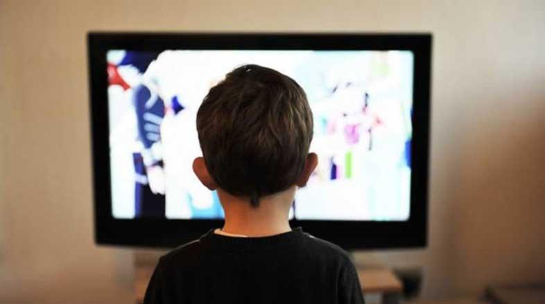 A-exposição-à-TV-e-ao-computador-pode-causar-danos-à-visão