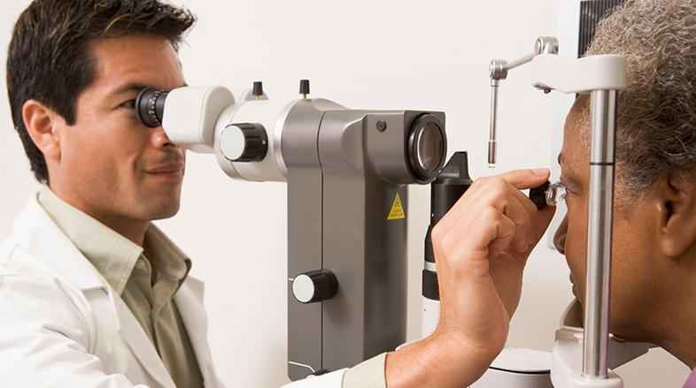 Exame-de-fundo-de-olho-pode-diagnosticar-doenças-sistêmicas-como-a-hipertensão