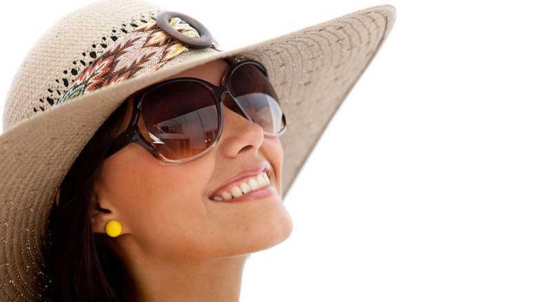 Exposição ao sol sem proteção deixa marcas na pele e nos olhos ... 671969017e